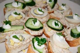 Бутерброды с икрой минтая
