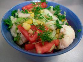 Салат из цветной капусты и овощей